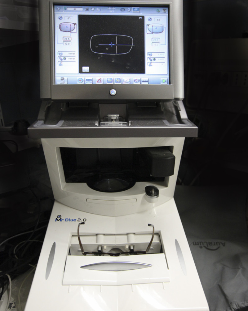 laboratorio-in-sede-a-Roma-Ottica-Astrologo-1